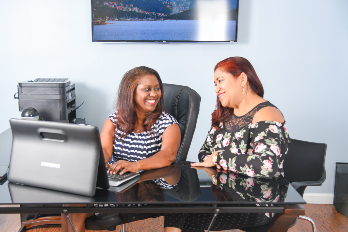 Janet Johnson with a client